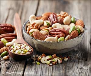 Consuming a Handful of Nuts Every Day can Boost Memory in Elderly
