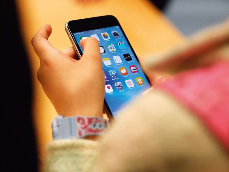 Putting down your phone may help you live longer