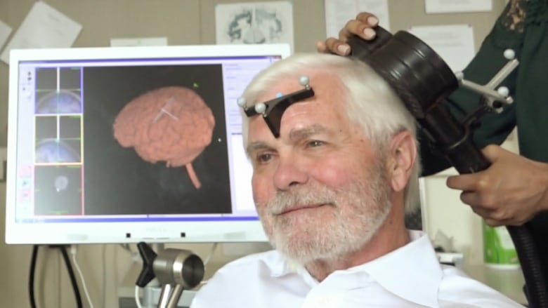 Cutting-edge experiments show an electrical zap improves memory in older adults
