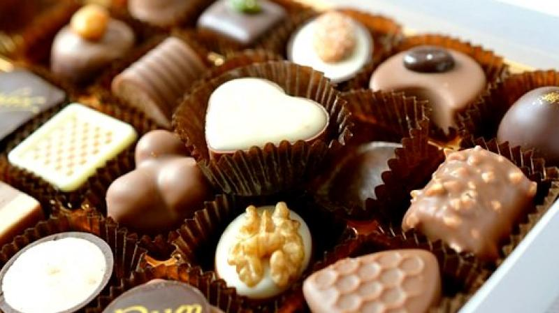 5 reasons why should consume chocolate during office hours