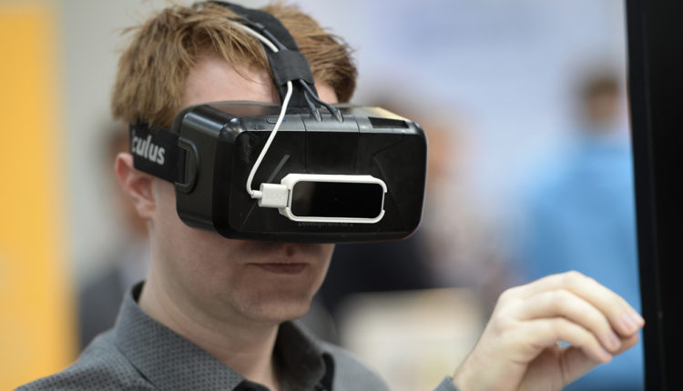 How Virtual reality can Improve Spatial Ability