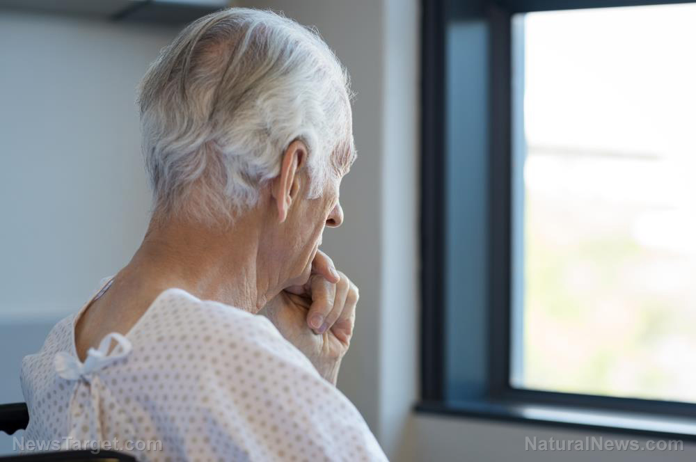 Could falling prey to financial scams be a sign of dementia in older people?