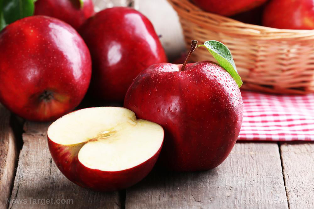 Delicious, nutritious, health-promoting: There are many reasons to eat an apple every day