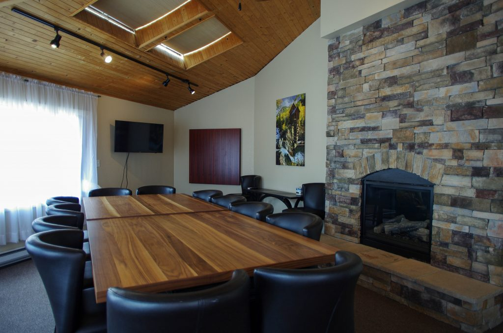 Local restaurants offer meeting rooms to feed workday creativity