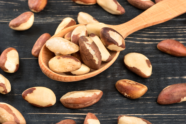 7 Scientifically-proven health benefits of eating nutrient-rich Brazil nuts