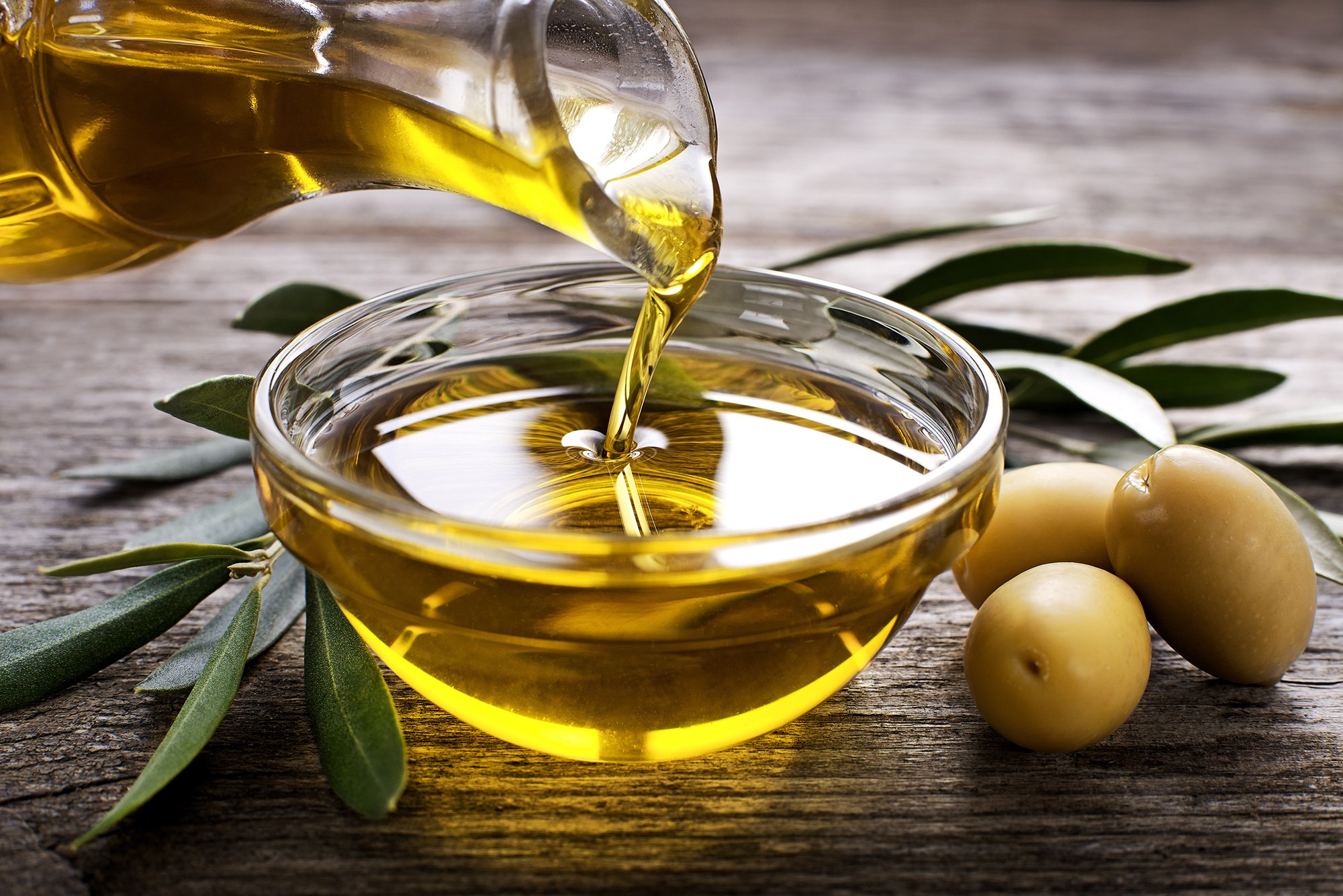 7 Amazing Health Benefits of Olive Oil + Emerging Research