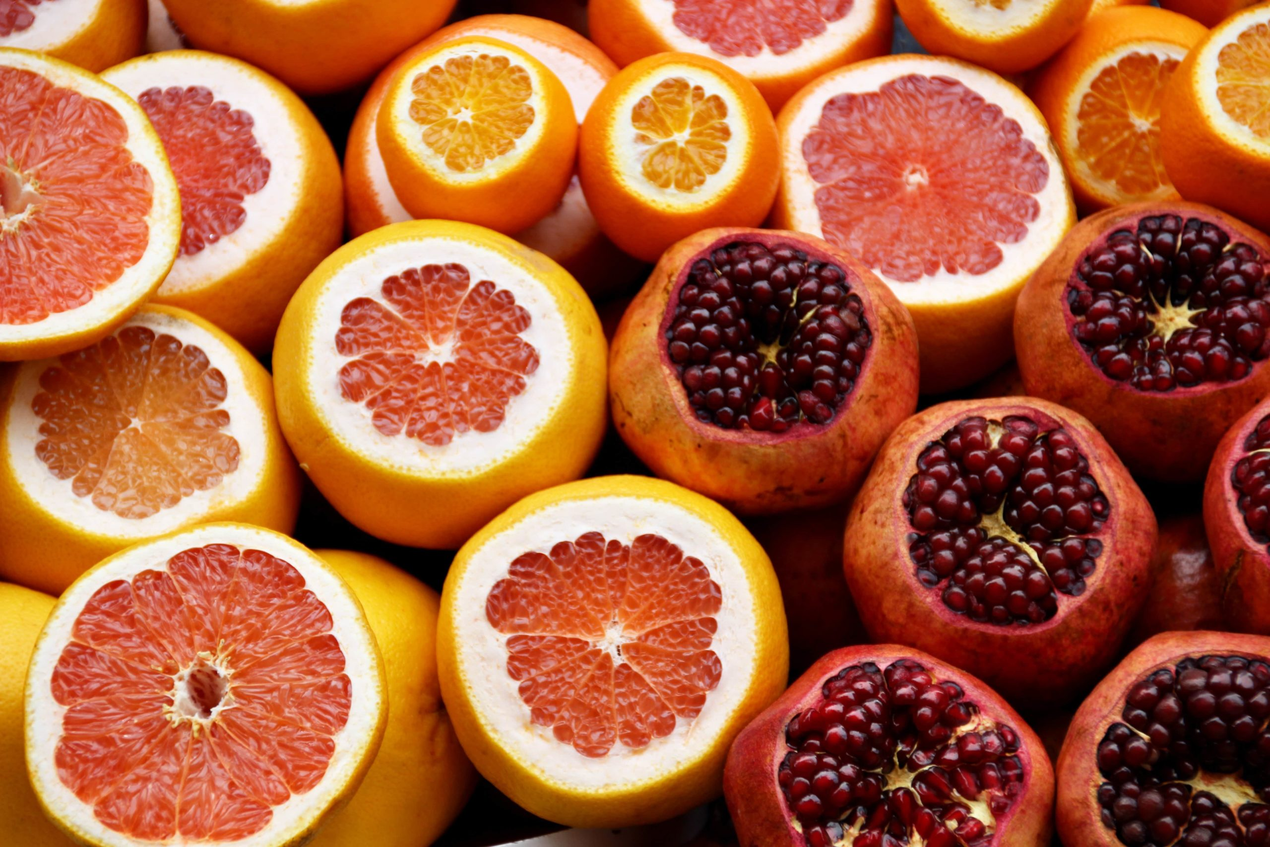 29+ Foods High in Vitamin C & Deficiency Symptoms