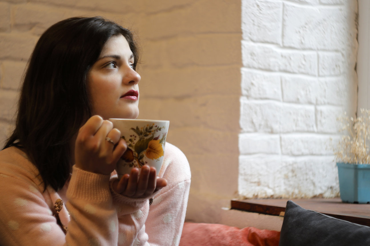 Chamomile tea can help give you better sleep and glowing skin at the same time