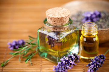 Essential oils to relax, heal & rejuvenate you for summer